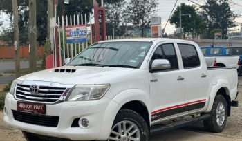 Locally Used 2012 Toyota Hilux full